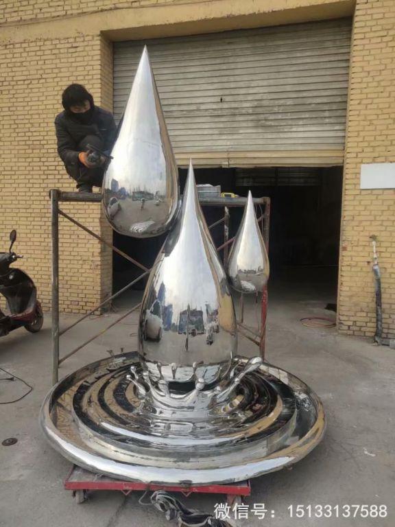 2米高不锈钢水滴镜面效果101