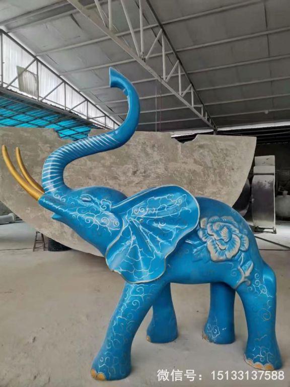 玻璃钢大象雕塑 深蓝色雕花大象动物雕塑9