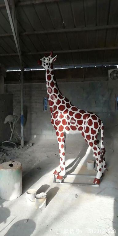 玻璃钢仿真长颈鹿雕塑5